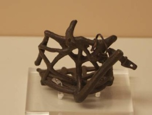 36 O.NR 46 BRONZE FIGURINE charioteer and CHARIOT Geometric period (8th) width of chariot: 0.04 m