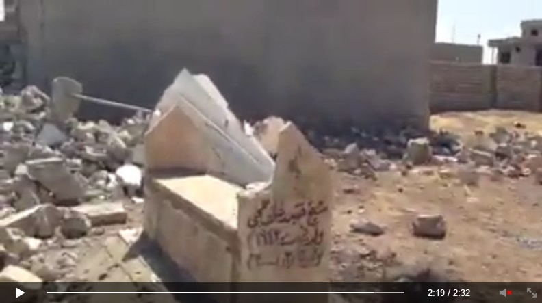 Yezidi shrine destroyed by IS terrorists. [Von den IS-Terroristen zerstörte êzîdîsche Pilgerstätte.] (c) Ezidi Press, Facebook, 31. August 2014 (i)
