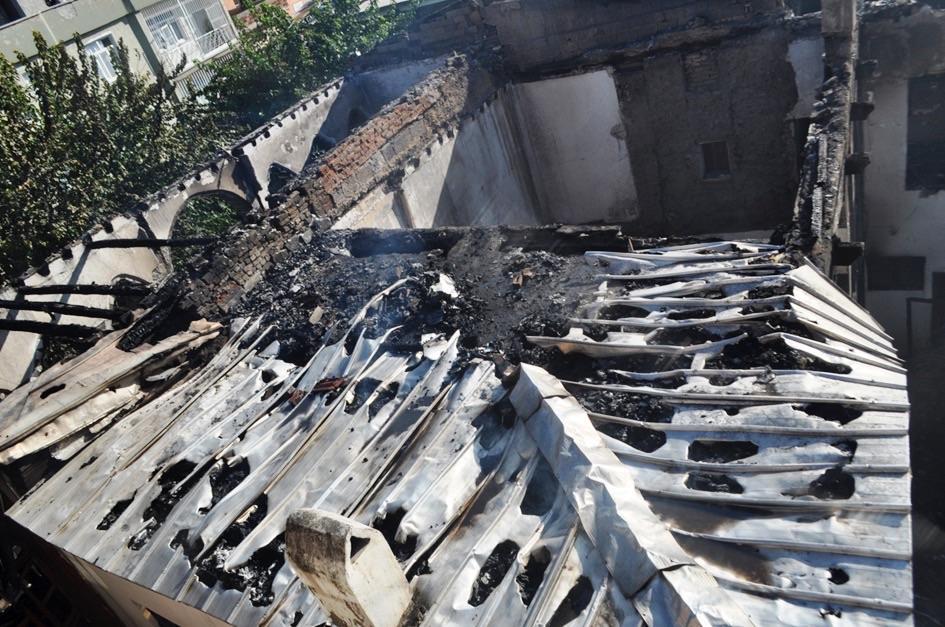 Diyarbakır Ziya Gökalp Müzesi'ne yapılan saldırı sonucunda müze binası tamamen tahrip edilmiş, müze envanterinde + (c) Ömer Çelik, Twitter, 11 Ekim 2014