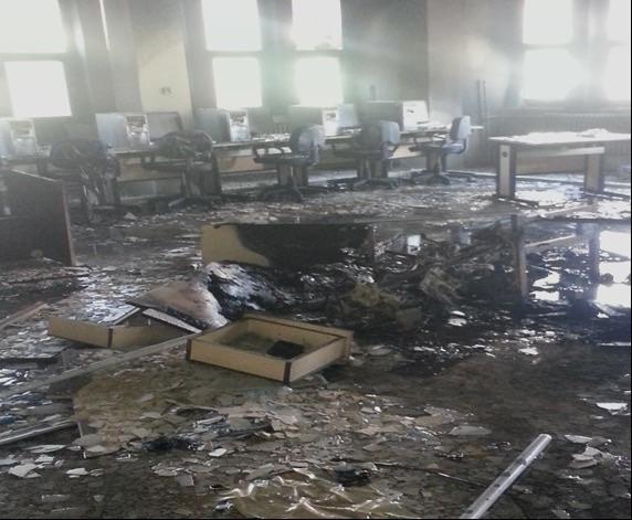 Barbarlar tarih boyunca olduğu gibi şimdi de kütüphaneye, müzeye ve kitaplara saldırdı... (c) Ömer Çelik, Twitter, 11 Ekim 2014g