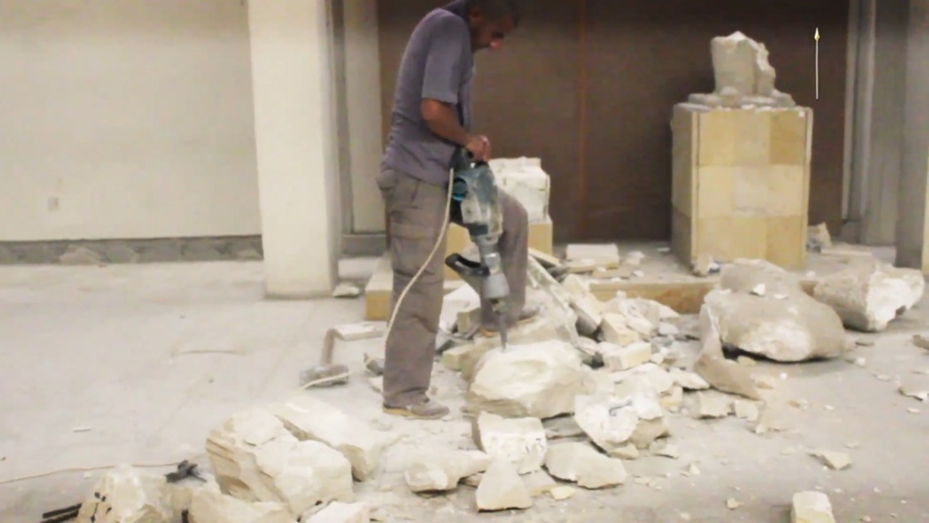 Destruction of artefacts and reproductions in Mosul Museum by Islamic State (MediaFire, 00h04m06s, 26th February 2015)