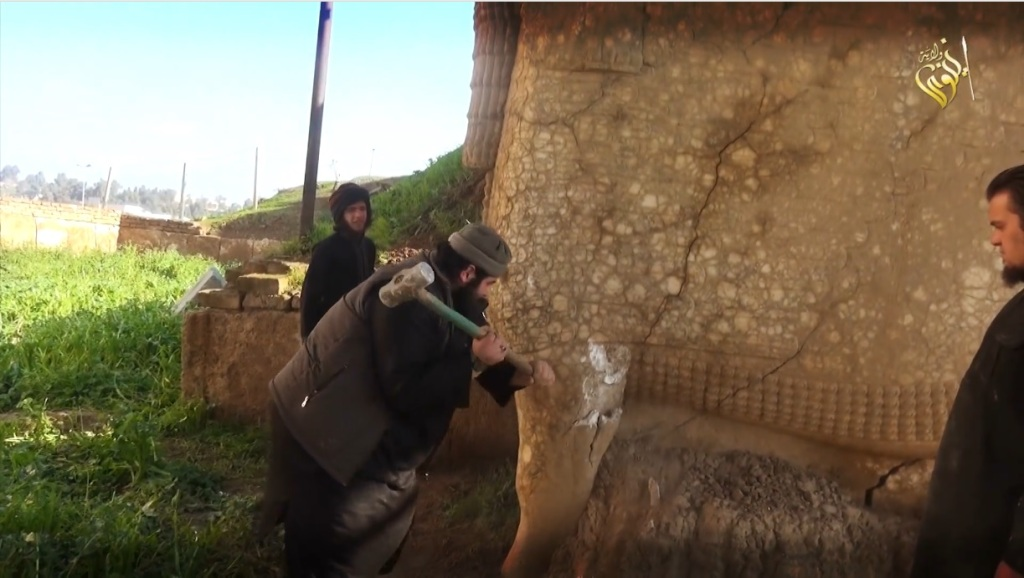 Destruction of lamassu at Nergal Gate Museum by Islamic State (MediaFire, 00h04m29s, 26th February 2015)