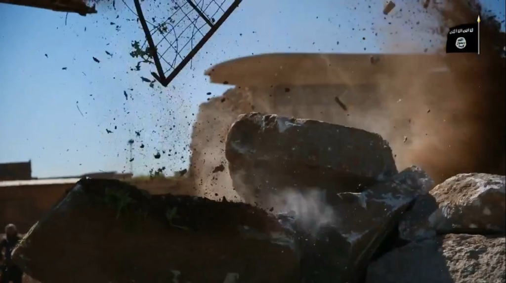 Islamic State attack on Nimrud (video release: 11th April 2015 - 00h05m01s)