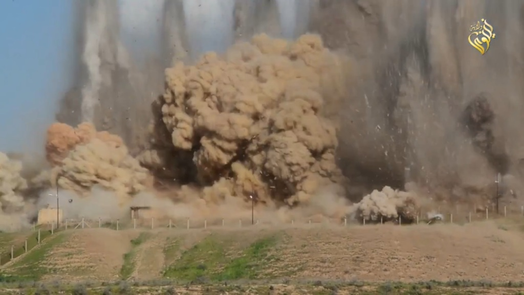 Islamic State attack on Nimrud (video release: 11th April 2015 - 00h06m16s c)
