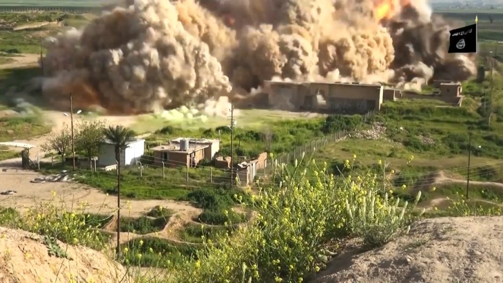 Islamic State attack on Nimrud (video release: 11th April 2015 - 00h06m22s b)