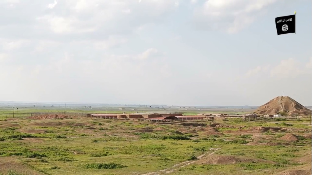 Islamic State attack on Nimrud (video release: 11th April 2015 - 00h06m26s)
