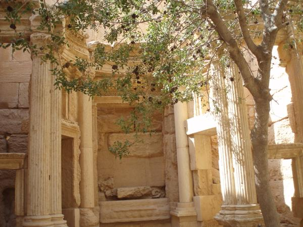 Palmyra Random unexplained air strike by Assad regime near Bel-Shamin temple (c) Diana Darke, the Telegraph, Twitter, 20th June 2015
