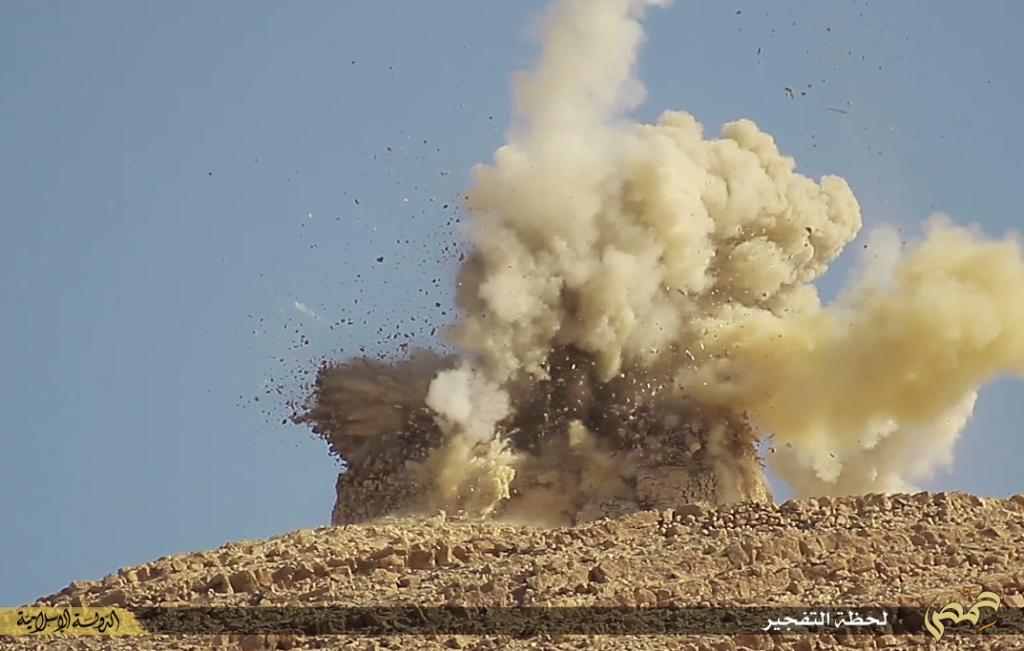 Photographer's report: Removal of the landmarks of polytheism in the city of Palmyra (Islamic State, 22nd June 2015 d)