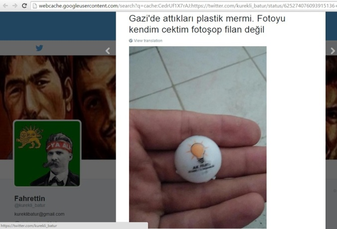 'Gazi'de attıkları plastik mermi. Fotoyu kendim çektim fotoşop filan değil.' (Fahrettin, Twitter, 26. Temmuz 2015)