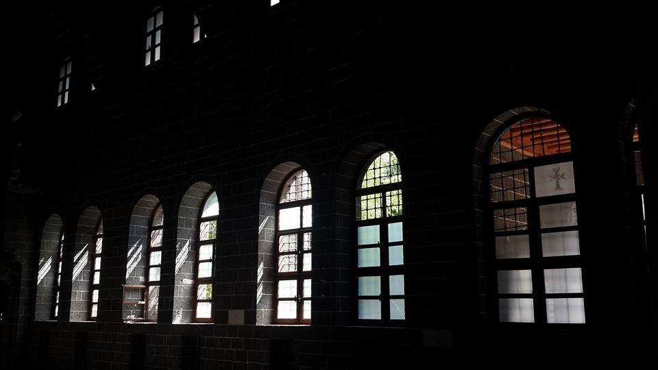 Diyarbakir's Surp Giragos Armenian Church suffered minor damages during clashes between Turkish authorities and Kurdish rebels on Sept. 7 (c) Armenian Weekly, 9th September 2015